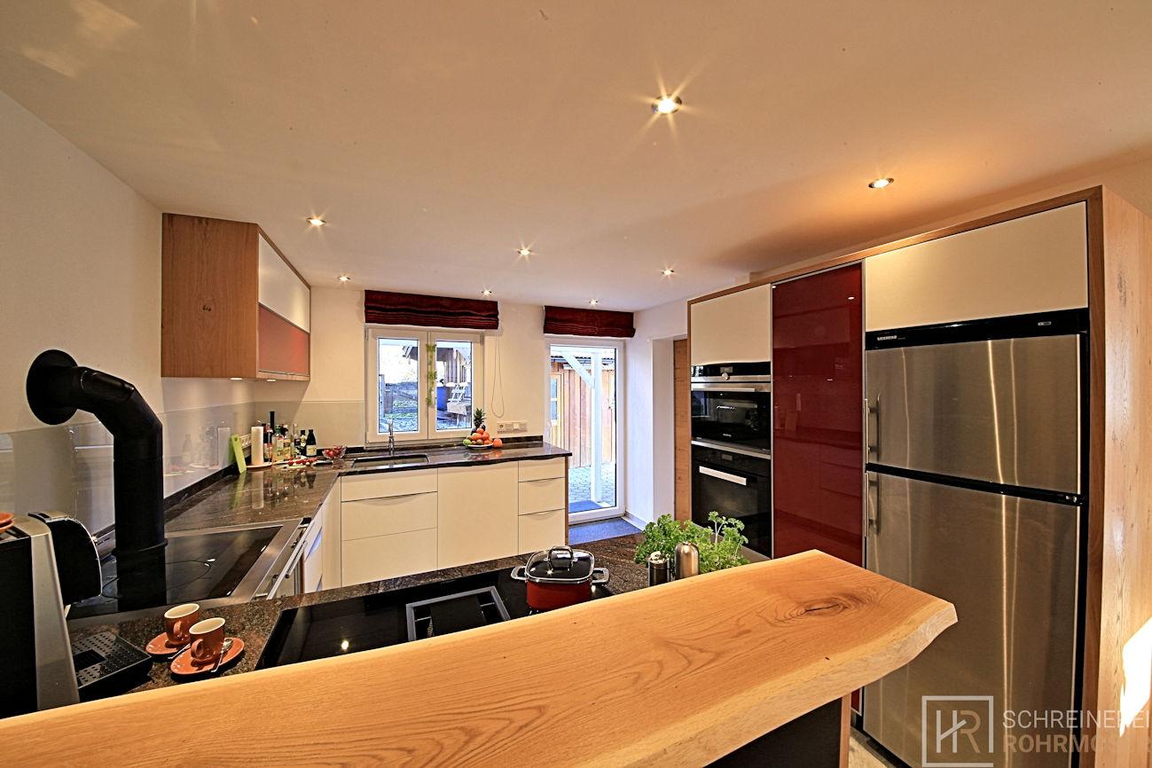 Küche weiße Fronten