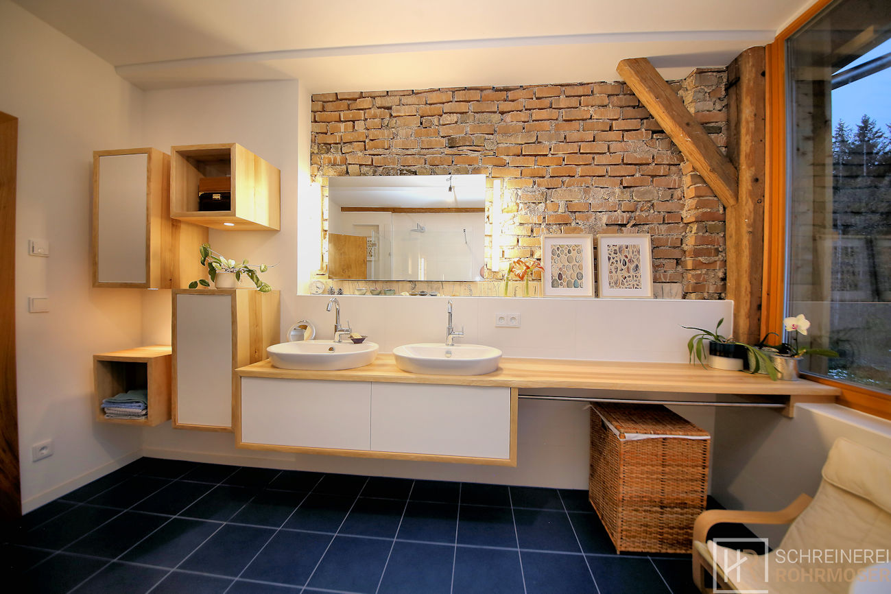 Waschtisch und Badezimmermöbel